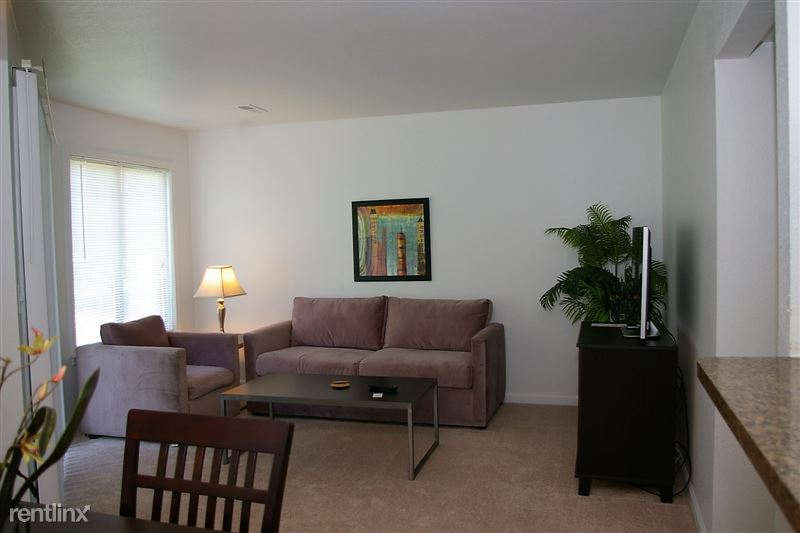 Furnished Apartments in Sterling Heights/Troy - 21 - LR1
