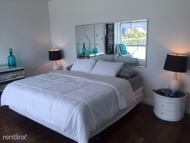 bedroom03stack