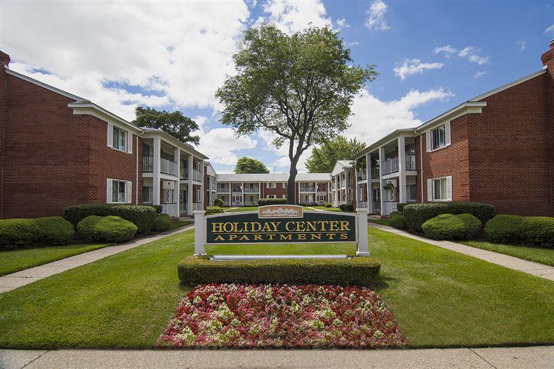 Holiday Center Apartments 36607 Holiday Cir Clinton Twp
