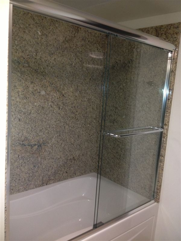 Granite - Glass shower-tub