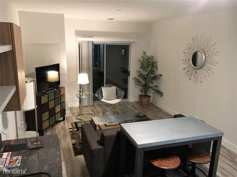 Suite 530