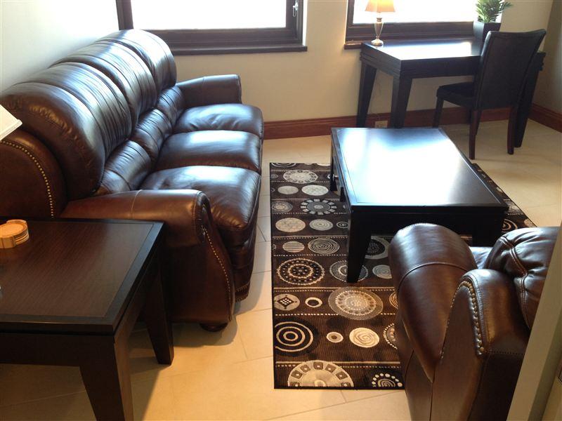 Livingroom - sofa - desk - low profile