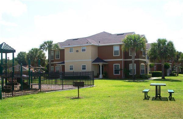 West Pointe Villas Apartments 1201 W Pointe Villas Blvd Winter
