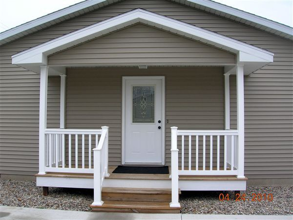 covered entryway porch