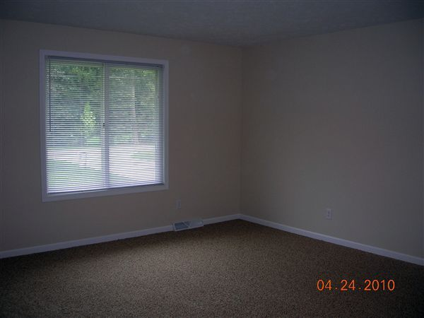 large livingroom-new carpet