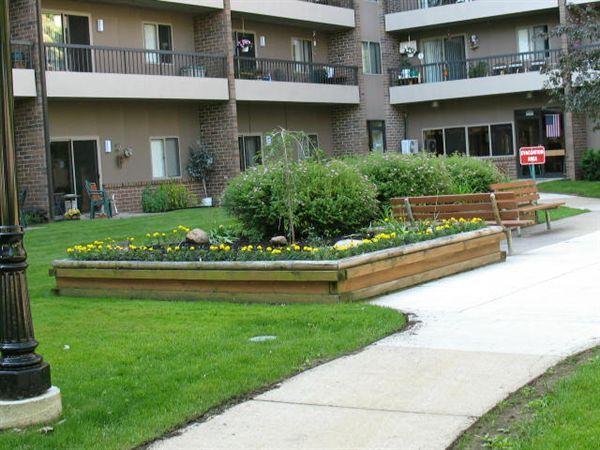 Harbor View Apartments (329 South St), Cadillac, MI