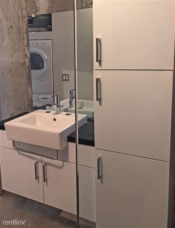 Cosmo Lofts - 2 - 03_bathroom