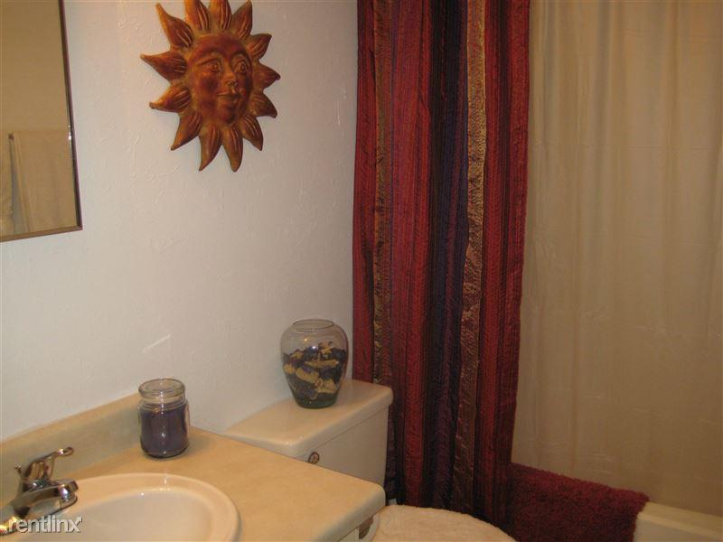 Camellia Court Apartments 1401 S Clyde Morris Blvd Daytona Beach Fl Show Me The Rent