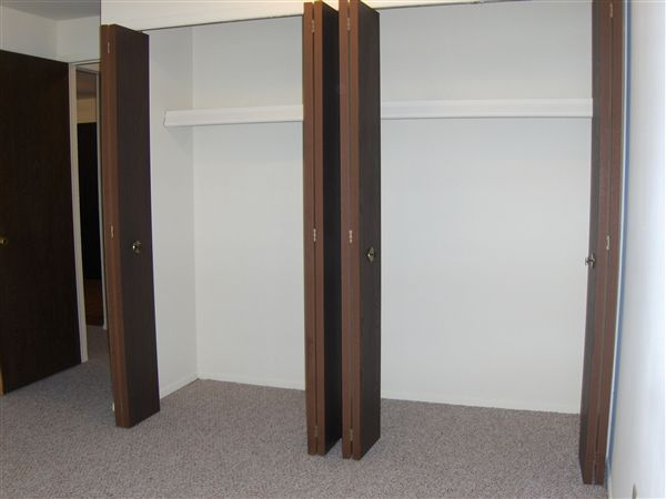 Garden Court Apartments and Townhomes - 6 - Double closets in bedroom