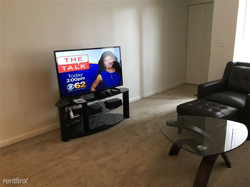 Furnished Apartments in Sterling Heights/Troy - 6 - IMG_1412