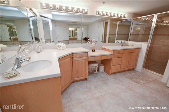 Ready yourself for the Day in the Master Bathroom