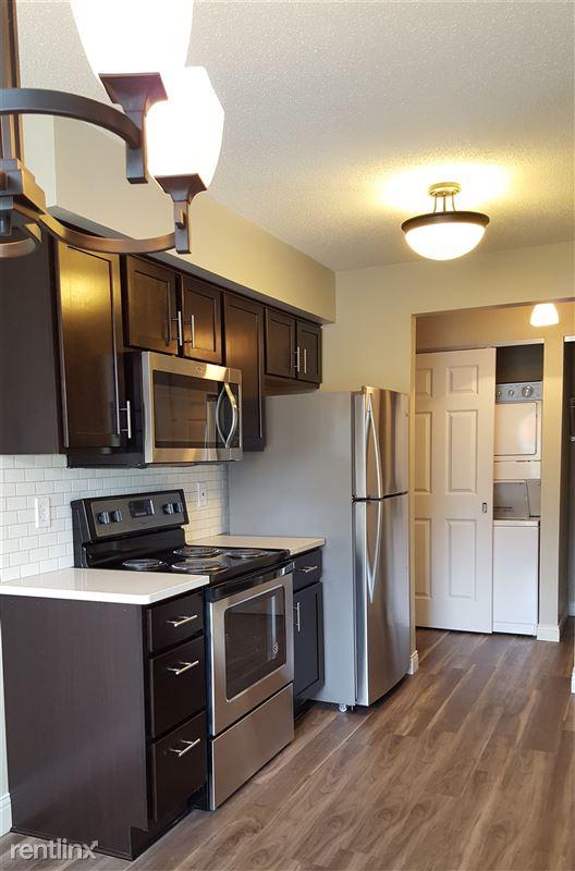 Pinewood Glen Apartments - 2 - 20170812_114719 crop