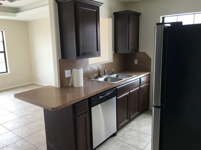 Stone Oak Townhomes (20502 Oak Hollow Ln Apt 5), Harlingen, TX ...