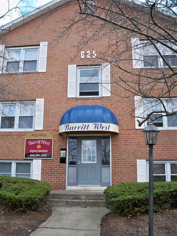 The Burritt West Apartments 615 Burritt St New Britain Ct Show Me The Rent