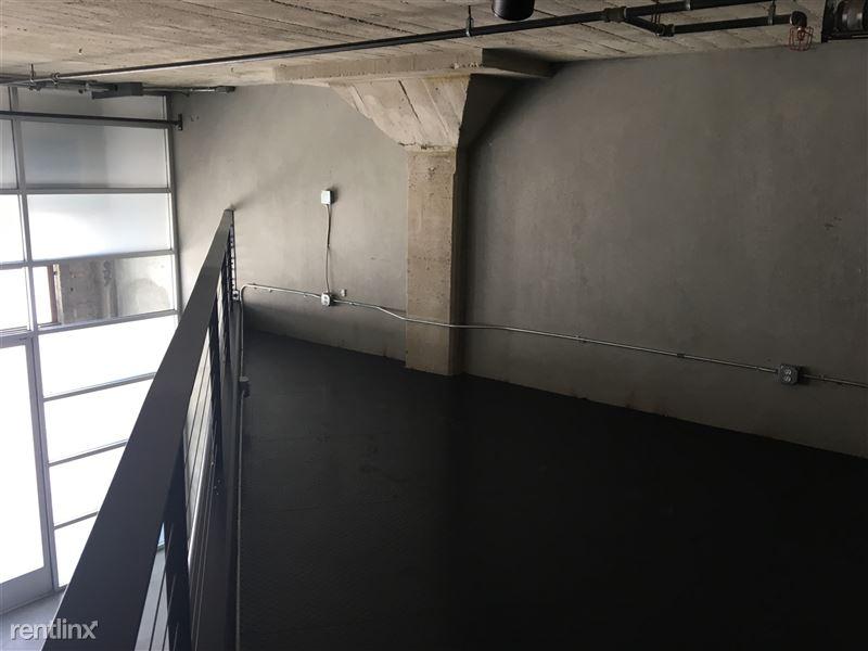 Cosmo Lofts - 3 - 114 Loft space (2)