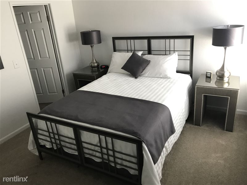 Furnished Apartments in Rochester Hills - 35 - IMG_2245