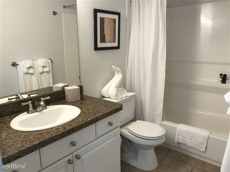 Furnished Apartments in Rochester Hills - 37 - IMG_2253