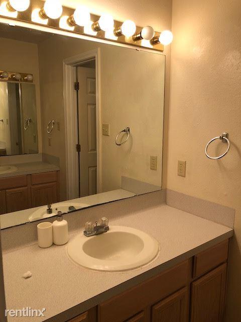 restroom/bathroom