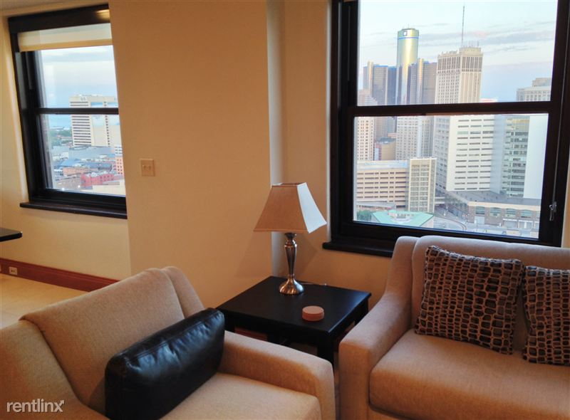 5 LR - Side Chair - Windows