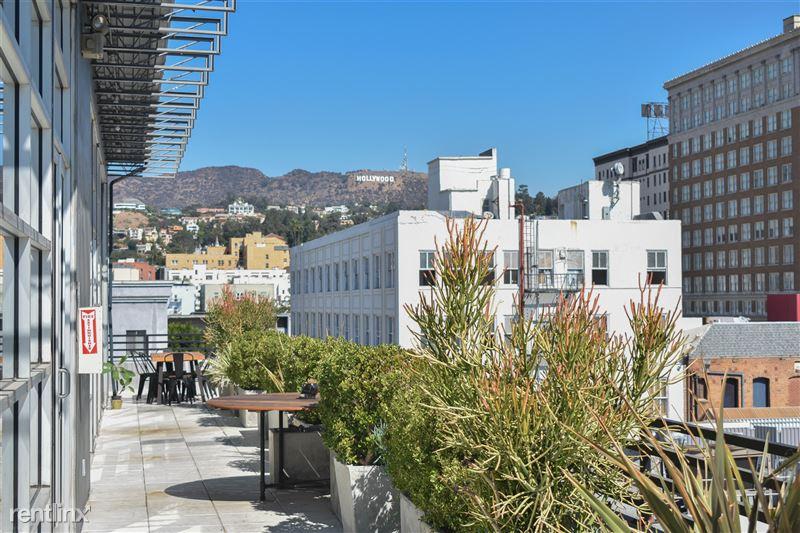 Cosmo Lofts - 5 - 408 rooftop patio