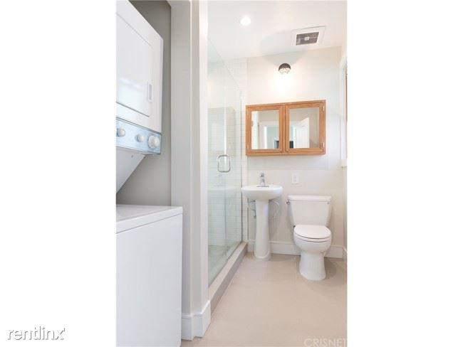 Crescent Hill Lofts - 5 - Bathroom