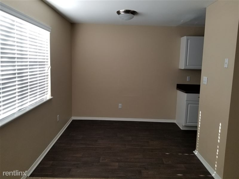 2 bedroom dinning room
