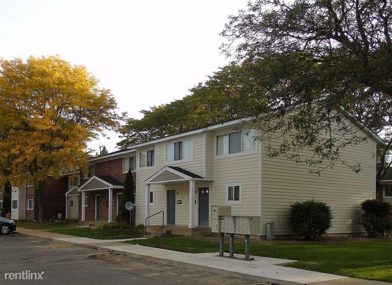 Milham meadows apartments 6103 mallard cir portage mi michigan housing locator by mshda for 3 bedroom apartments in portage mi