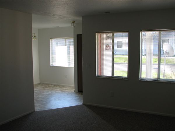 Pinehurst Townhomes 6740 Andover Dr Kalamazoo Mi Low Income Housing Authority