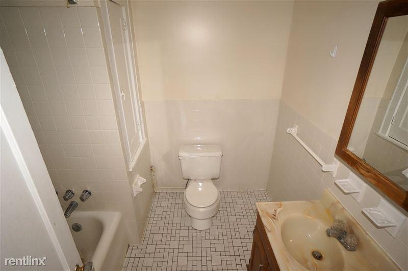 Corvette - Bathroom