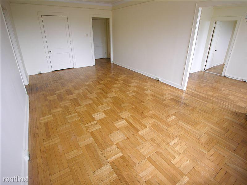 LeMans - Living Room