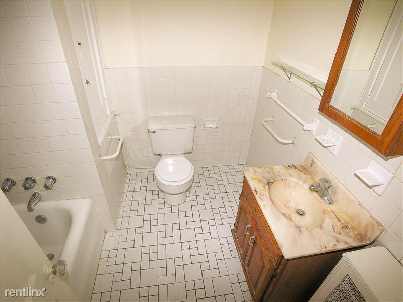 LeMans - Bathroom