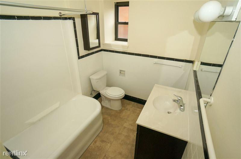 Brady - Bathroom