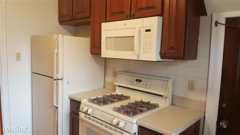 Stove, refrigerator, and microwave included