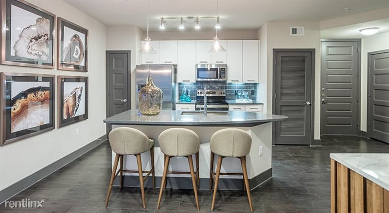 2613 Rogers Ave - 3 -