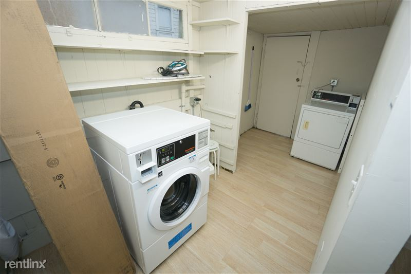 Washer / dryer on site