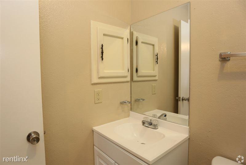 Ash Tree Apartments - 2 - ashtree-apartments-edinburg-tx-1-bd-1-ba---535-sf 11