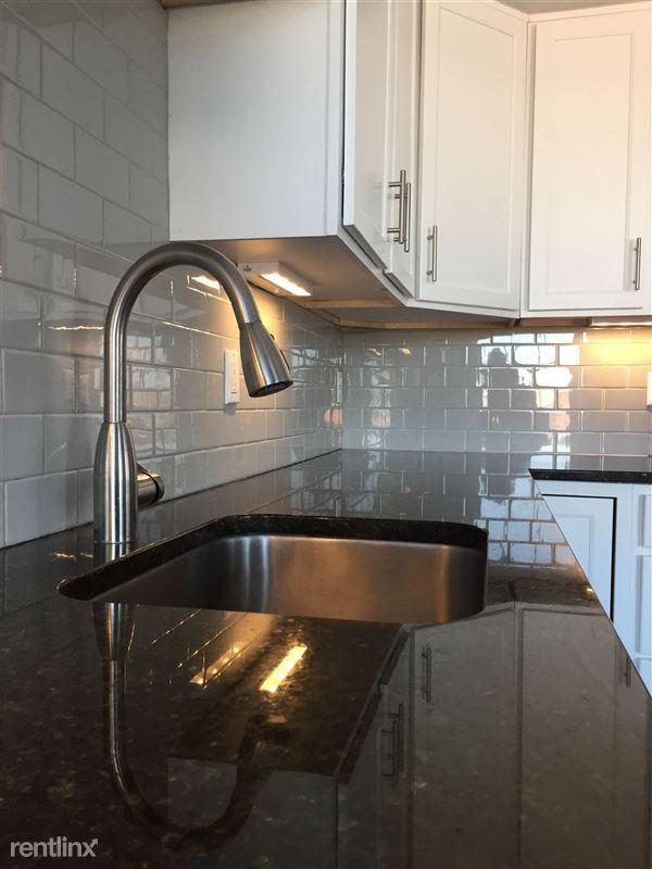Rainer Court Apartments - 1 - IMG_8232