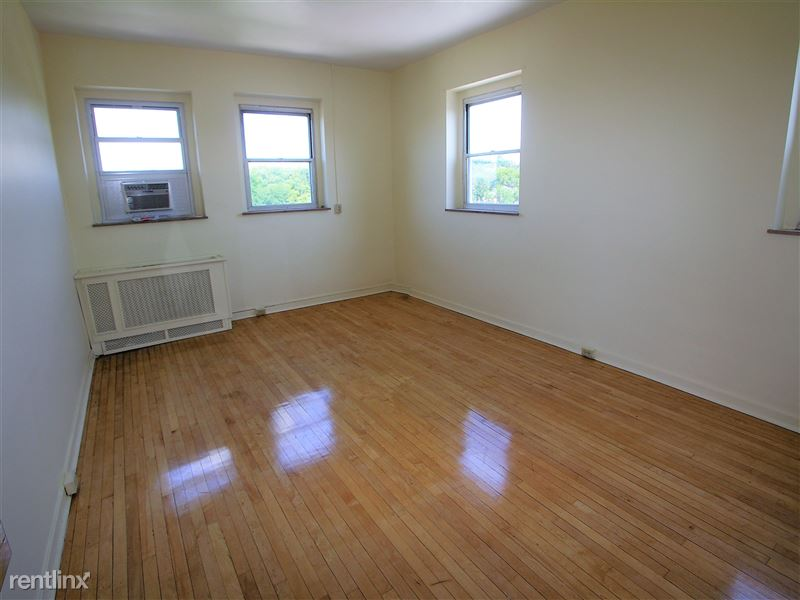 Scarab - Living Room