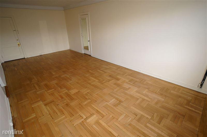 Darrin - Living Room