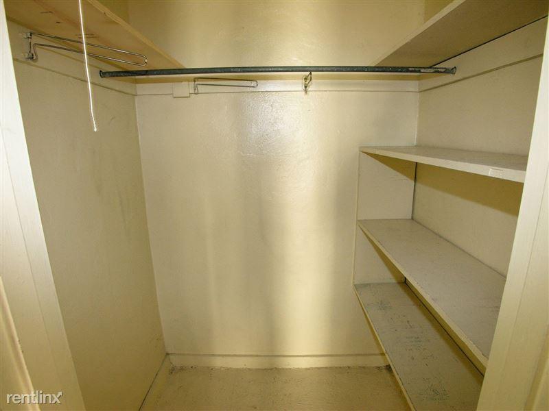 Ft. Duquesne - Closet