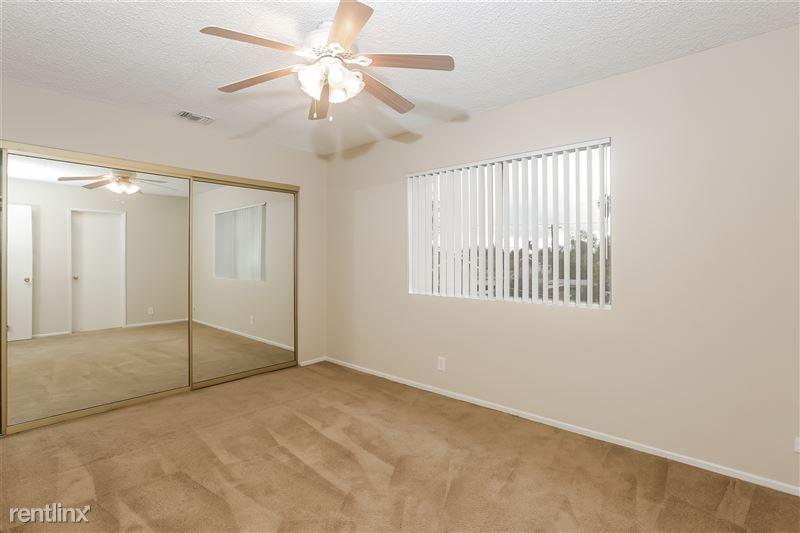 014-photo-master-bedroom-6740218