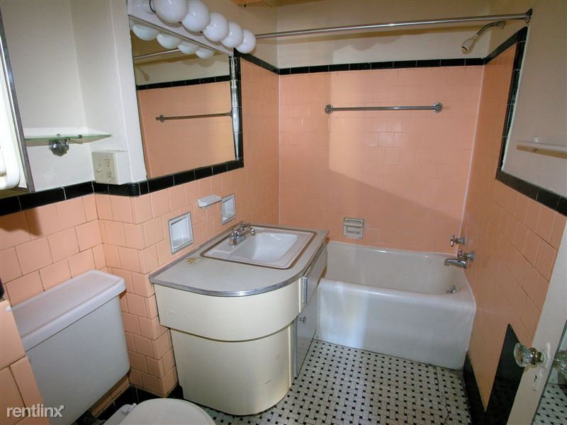 Hot Metal - Bathroom