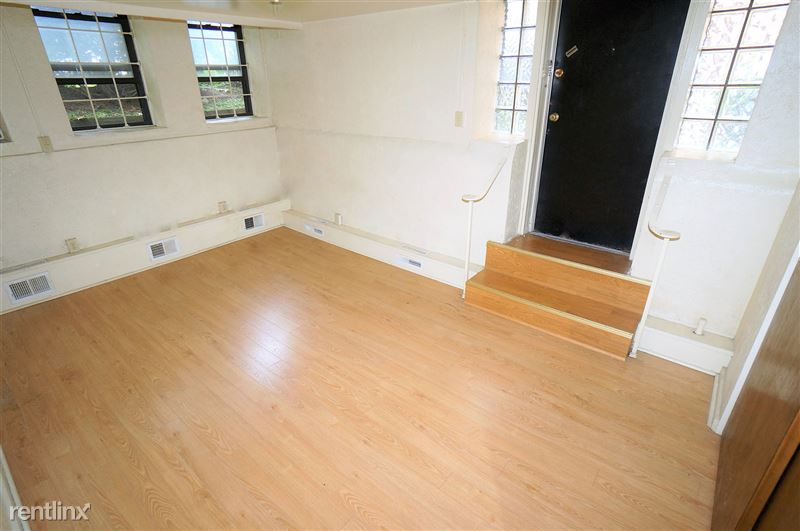 Mansfield - Living Room
