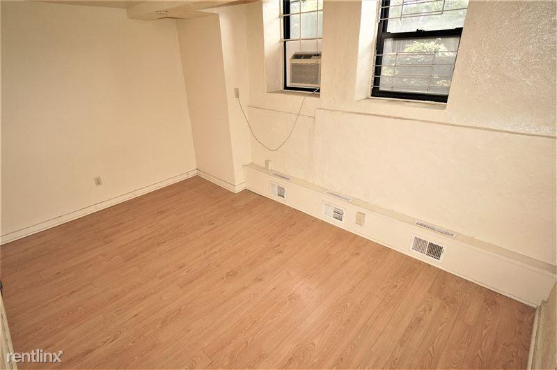 Mansfield - Bedroom