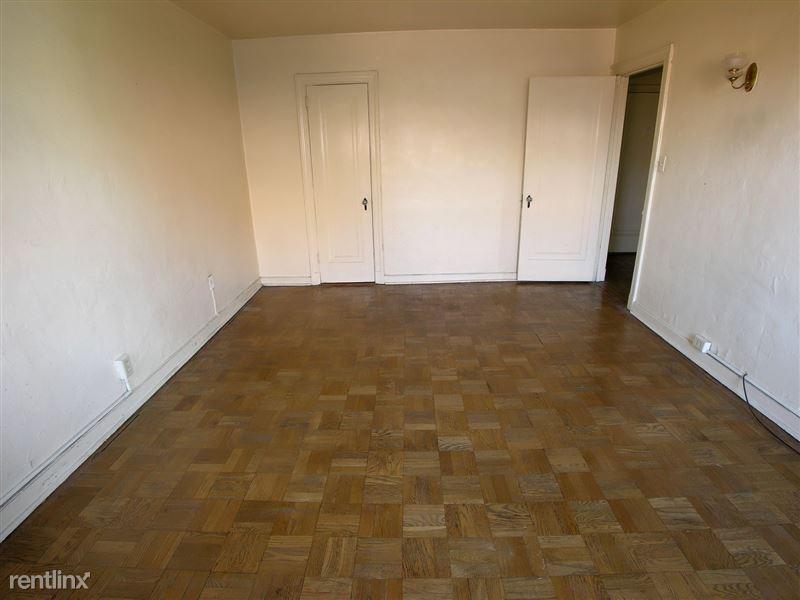 Bloomfield - Bedroom