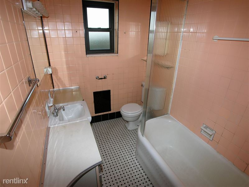 Mosside - Bathroom