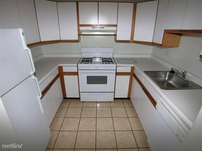 Lincoln - Kitchen