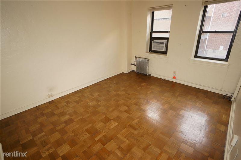 Warhol - Bedroom 1