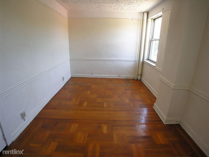 Astura - Living Room