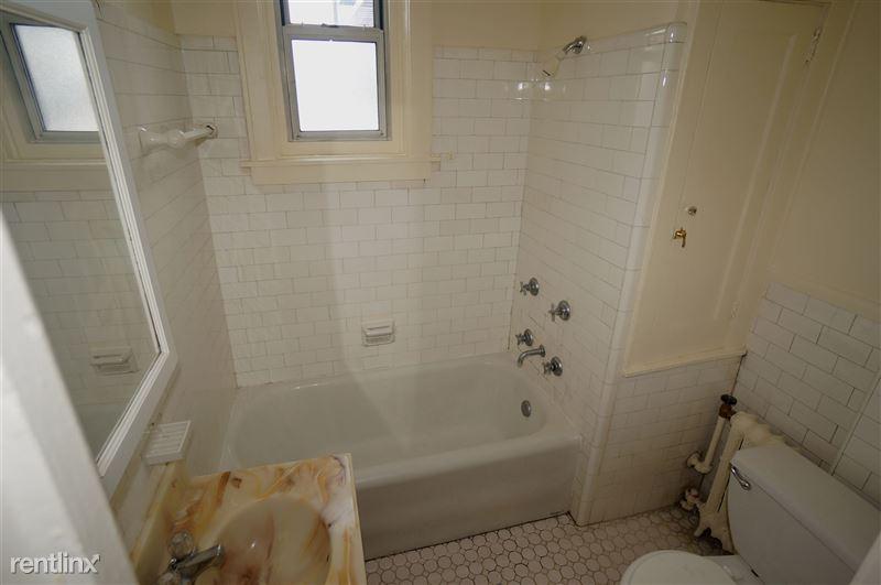 Bentley - Bathroom